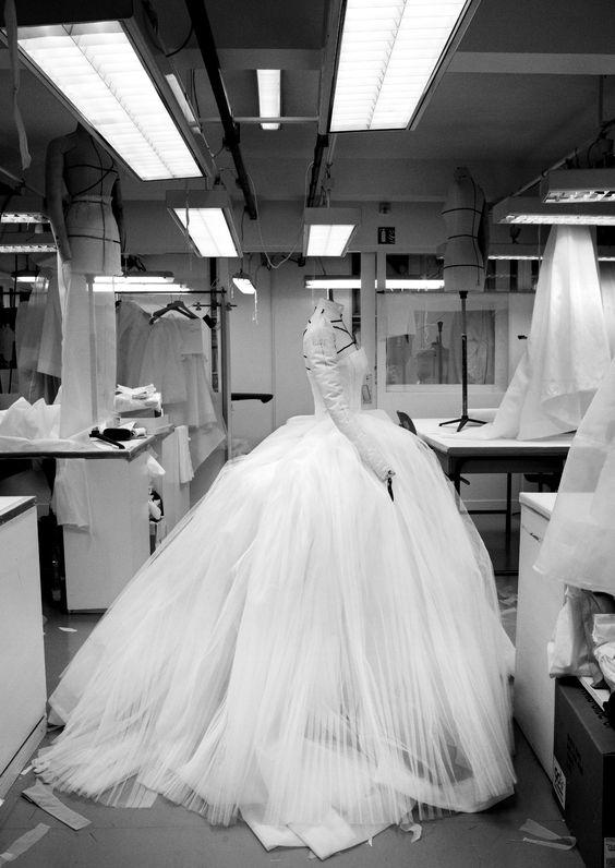 © Gerard UferasDIOR Haute Couture Paris 05_12_11  atelier Flou